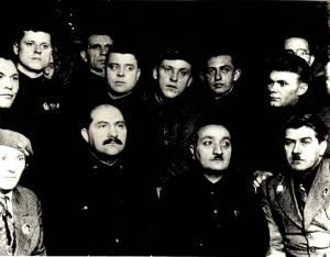 Αντιπρόσωποι του 3ου Περιφερειακού Συνεδρίου των Σοβιέτ του Ντόνμπας. Στην αριστερή πλευρά η Πάσα Αγγελίνα. (Αρχείο Ελληνισμού Μαύρης Θάλασσας)