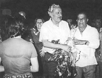 Ο Χ. Φλωράκης επιστρέφει στην Ελλάδα, στις 24/8/1974