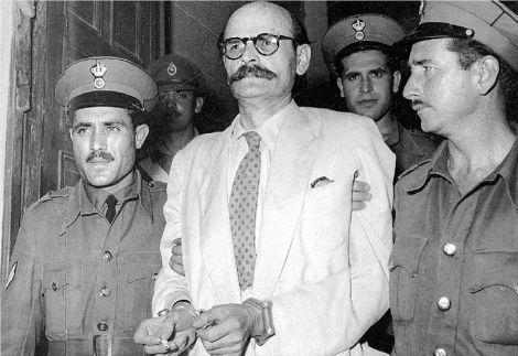 """""""Ματαιοπονείτε, αν πιστεύετε ότι θα με κάνετε να στραφώ ενάντια στο Κόμμα μου"""" ξεκαθάρισε στους στρατοδίκες του ο Ν. Πλουμπίδης. Σήμερα, 60 χρόνια αργότερα, αυτό που δεν κατάφερε το αστικός κράτος με την απειλή της εκτέλεσης, επιχειρεί ο ΣΥΡΙΖΑ"""