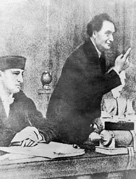 Ο Δημητρόφ από το βήμα του δικαστηρίου