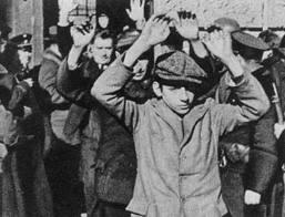 Οι τελευταίοι μαχητές των Σωμάτων Εργατικής Αυτοάμυνας παραδίδονται